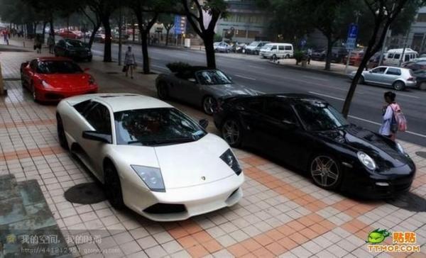 В Китае встретились владельцы суперкаров (35 фото)