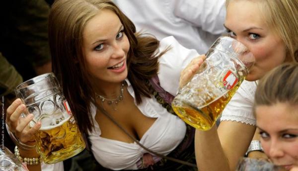 Симпатичные баварские девушки и море пива (34 фото)