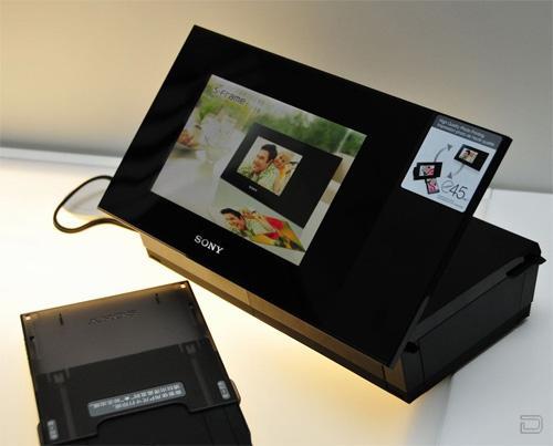 Цифровая фоторамка с принтером от SONY