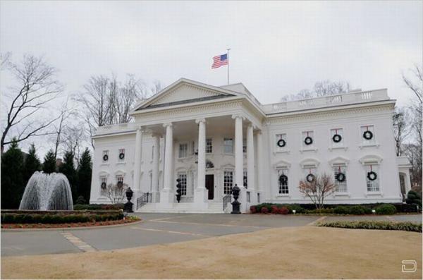 Кто хочет купить Белый дом, он продается (18 фото)