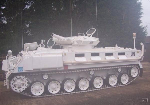 Уникальный танк-лимузин (11 фото)