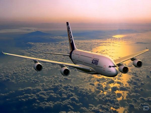Самый крупнейший в мире пассажирский самолет Airbus А380 (14 фото)