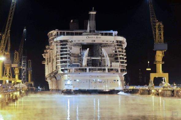 Oasis of the Seas спущен на воду (10 фотографий)