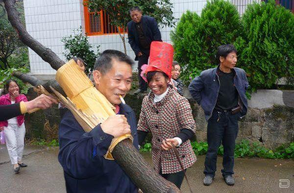китайцы жгут картинки они отличаются