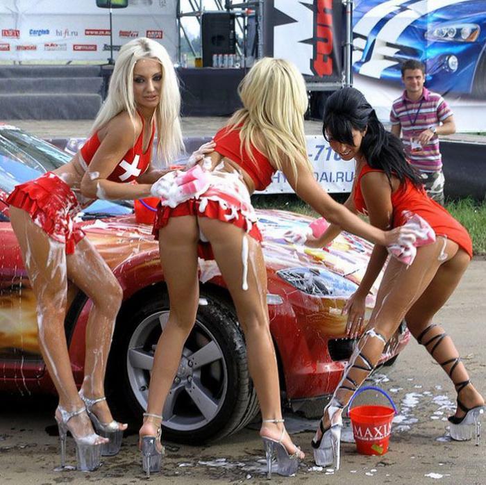 девчонки с автошоу