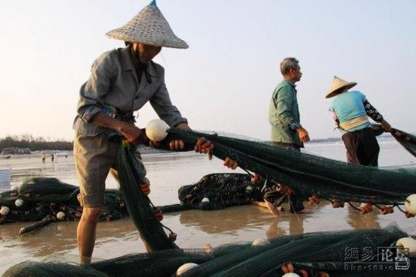 и вытянул рыбак сеть
