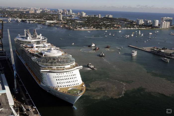 Oasis of the Seas — крупнейший круизный лайнер в мире (31 фото)