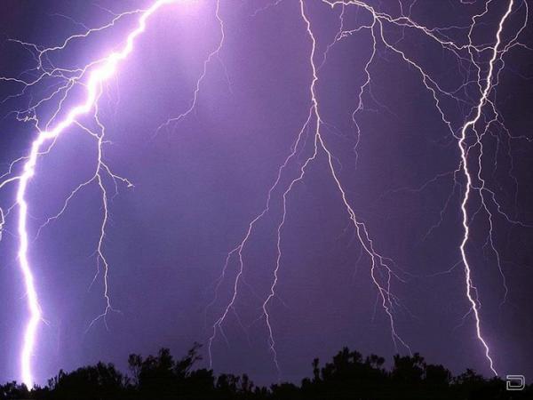 Последствия удара молнии