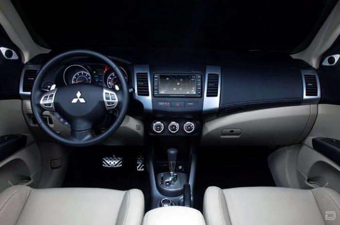 2010 Mitsubishi Outlander GT (33 фото)