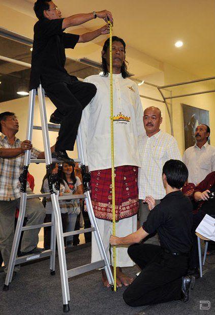 Самый высокий человек из Индонезии - Suparwono