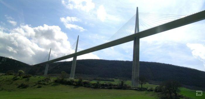 Мийо - cамый высокий мост в мире (22 фото)