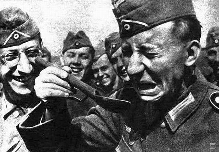1260855858_german_soldiers_fave_fun_duri