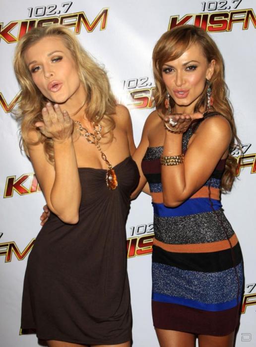 Пара Sexiest Sisters - Марта и Джоанна Крупа (7 фото)