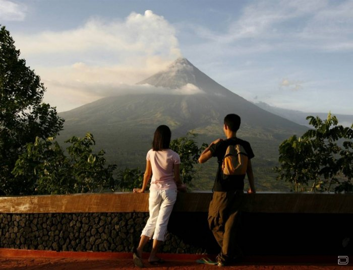 Извержение вулкана Майон на Филиппинах (9 фото)