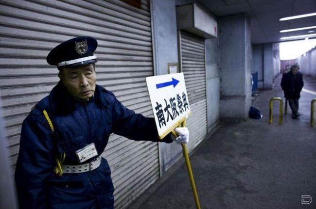 Старость в Японии, тяжелые кадры (24 фото)