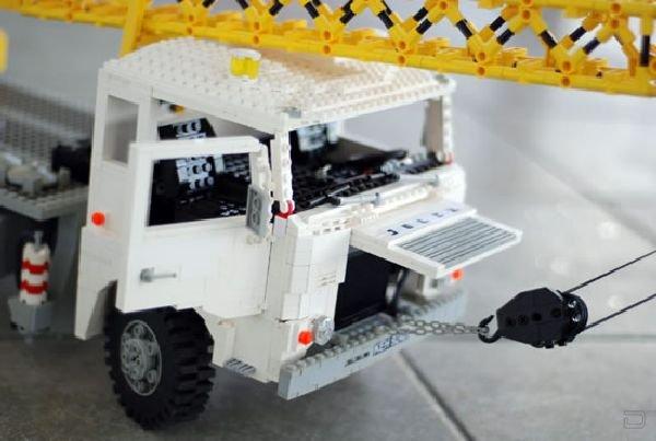 Настоящие Lego Грузовики (15 фото)