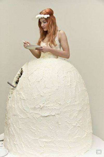 Съедобное свадебное платье (3 фото)