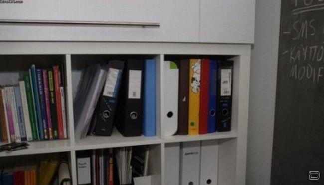 Тайник, офисный вариант (2 фото)