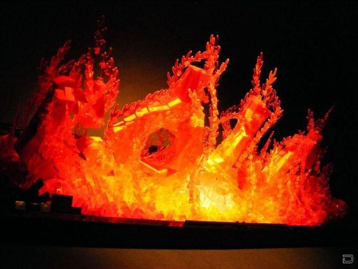 Огонь из конструктора Lego (9 фото)