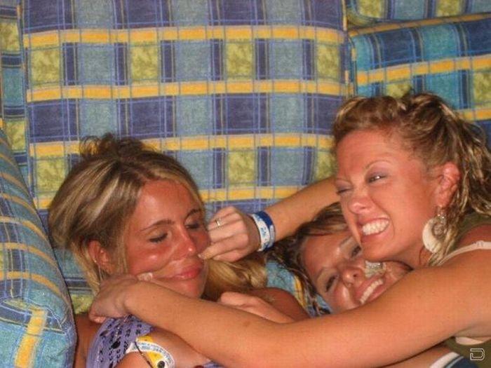 Пьяные девчонки (33 фото)