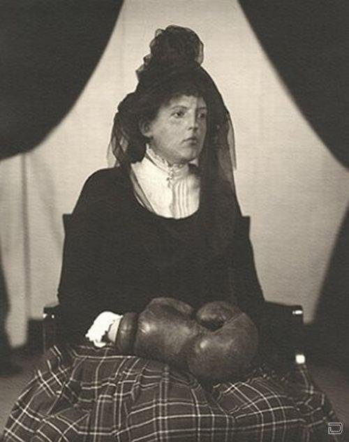 Подборка странных фото из прошлого