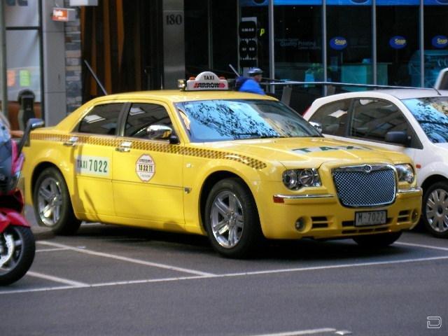 Очень крутые тачки в роли такси