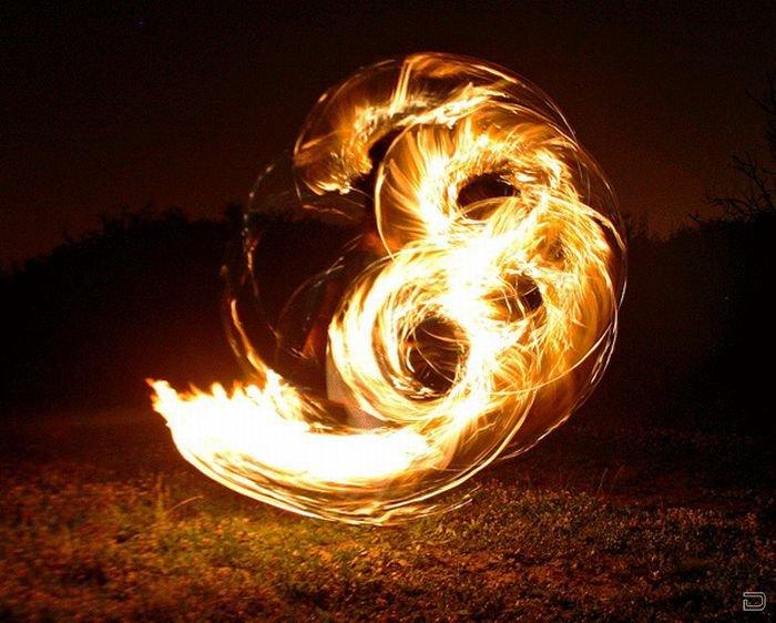 Завораживающие танцы с огнем (18 фото)