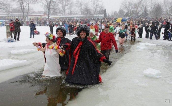 Ежегодный фестиваль любителей зимнего купания