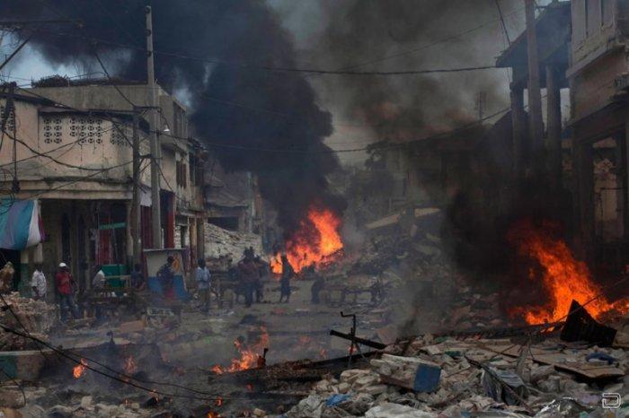 Землетрясение на Гаити спустя пять дней