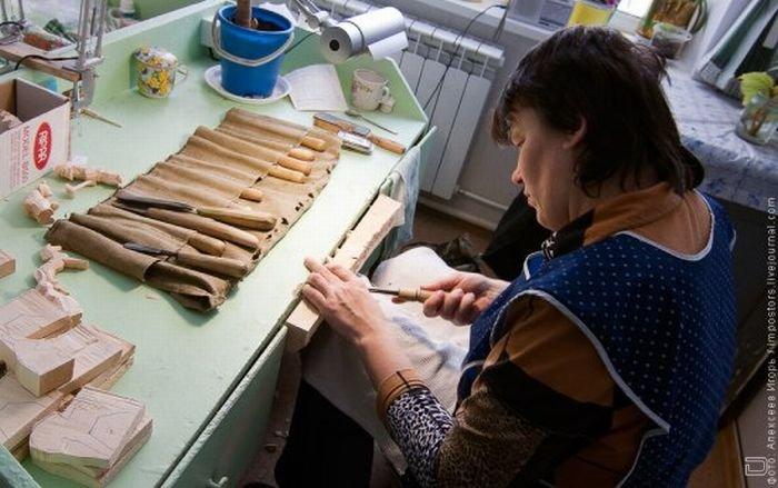 Изготовление игрушки из дерева
