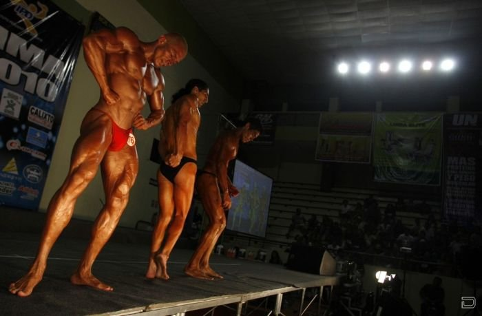 Конкурс бодибилдеров в Перу (9 фото)