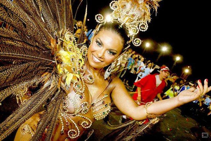 Горячие девушки с бразильского карнавала (125 фото)
