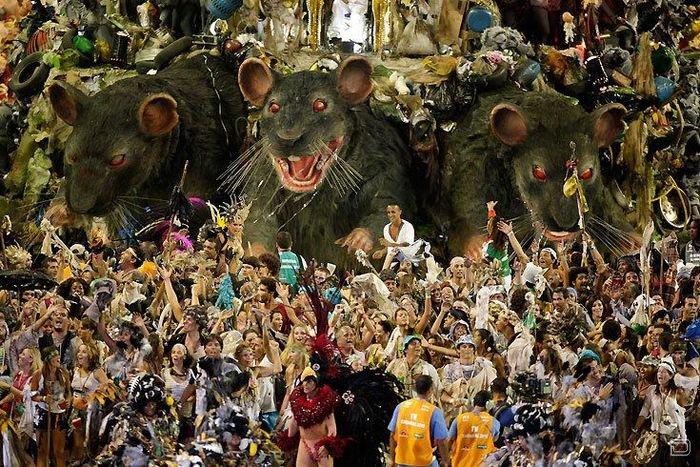 Кадры с карнавала в Рио-2010 (3 фото)