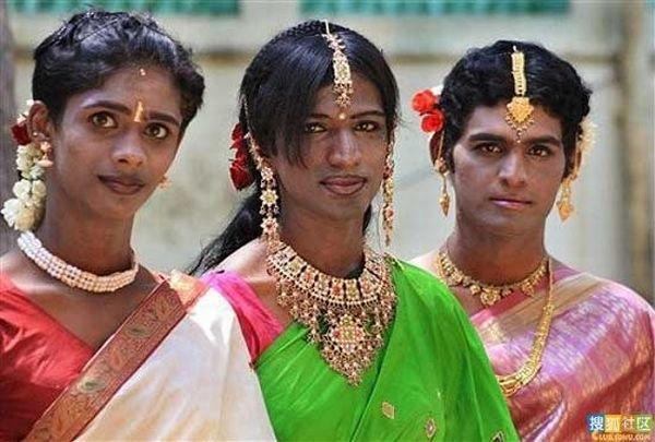 Индийские евнухи (13 фото)