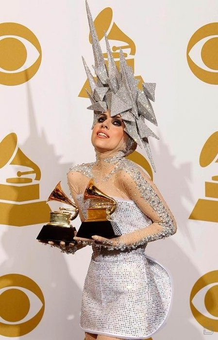 Неподражаемая Lady Gaga и ее обратная сторона