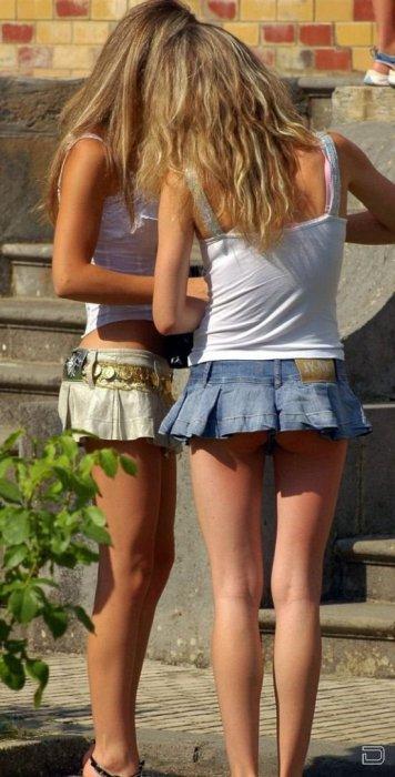 Девчонки, короткие юбчонки...