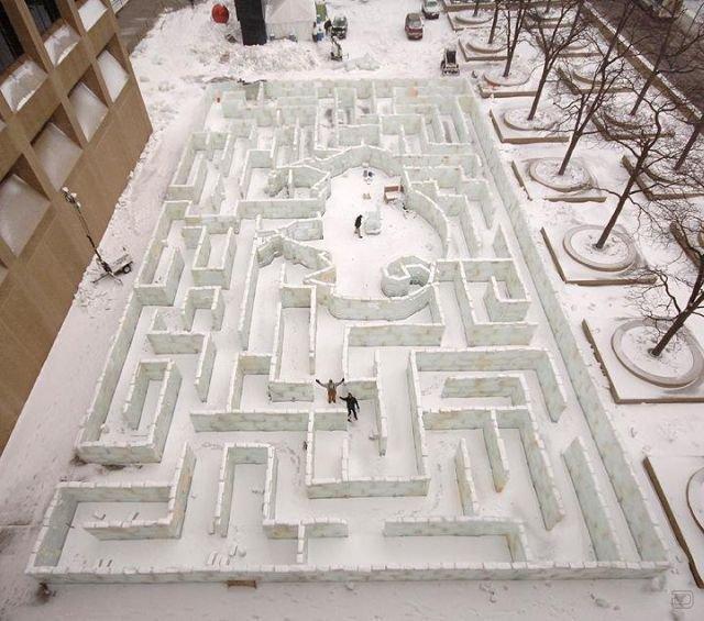 Крупнейший ледяной лабиринт в мире (20 фото)
