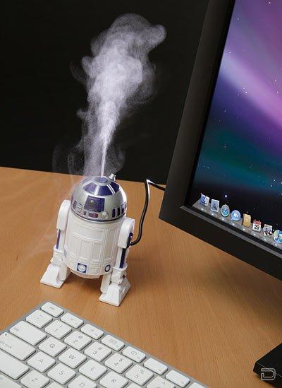 Робот R2-D2 в качестве увлажнителя воздуха (3 фото)