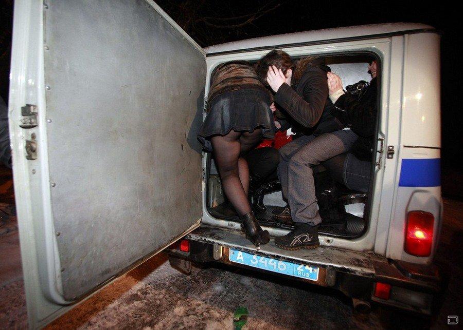 Снял проститутку и трахнул в машине фото проституток дагестана