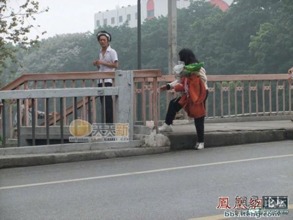 Нелегкая профессия - нищим быть (12 фото)
