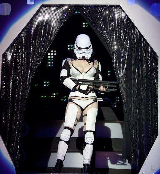 Стриптиз в стиле Звездных Войн (26 фото)