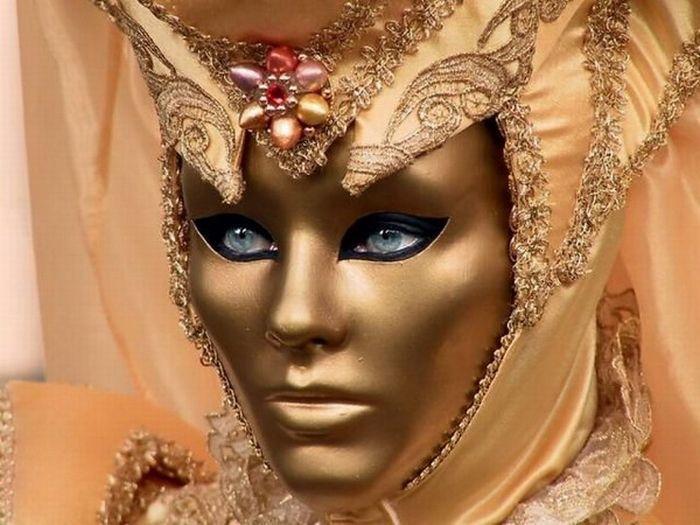 Карнавальные маски (46 фото)
