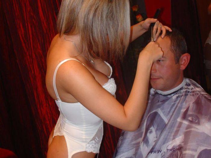 Порно парикмахерская интим стрижки домашние