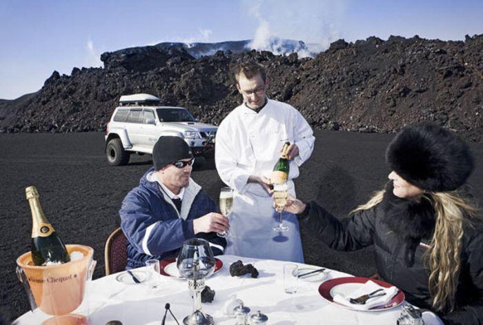 Обед, приготовленный на лаве активного вулкана