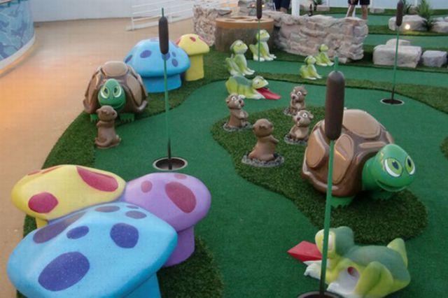 Креативные дорожки мини гольфа