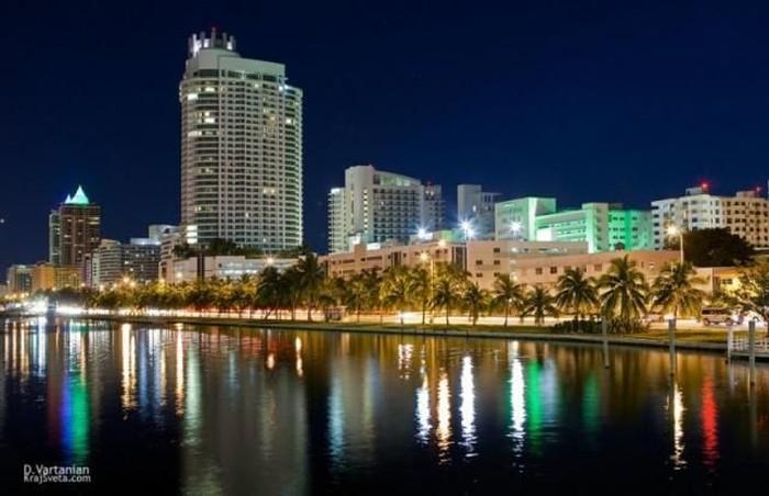 Майами днем и ночью (25 фото)