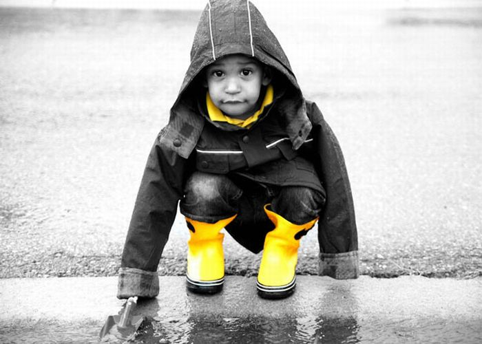 Красивые черно-белые фотографии с цветными вставками (33 фото)