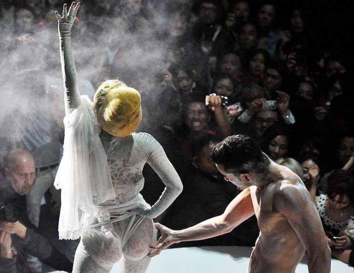 Мега наряд Леди Гага