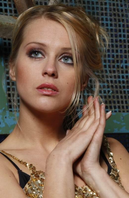 порно актриса ангелина варганова