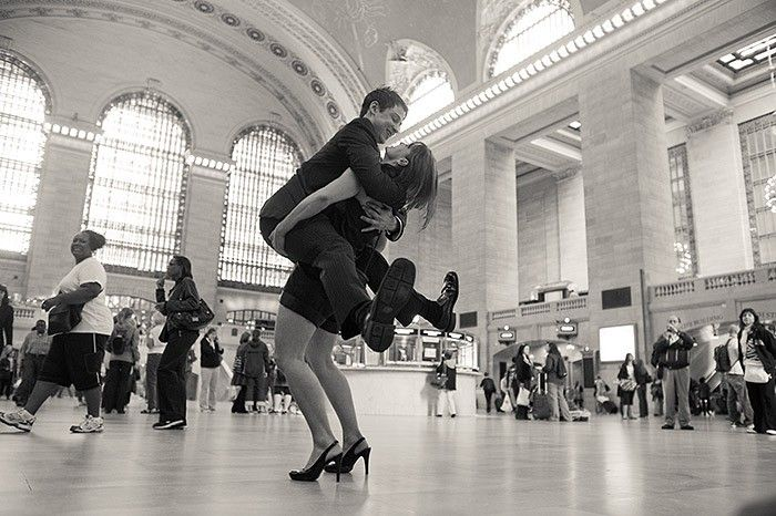 Смешная картинка танцующих людей, сверкающие каждый день